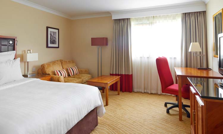 Northampton Marriott Hotel Bedroom